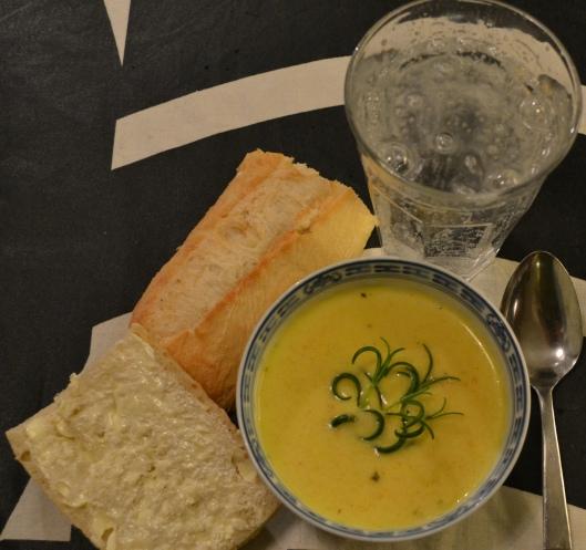 morotssoppa med lime o rosmarin