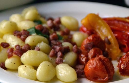 gnocchi m bakon o ugnsbakad tomat
