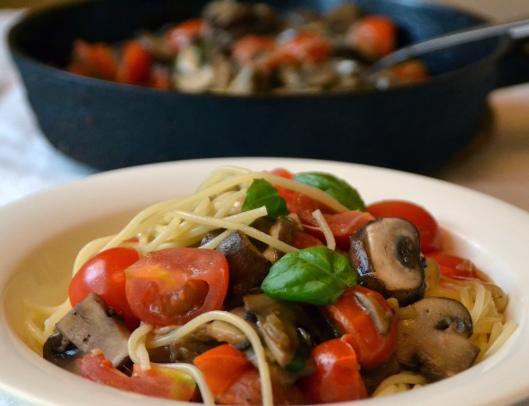 pasta svamp, tomat o mozzarella