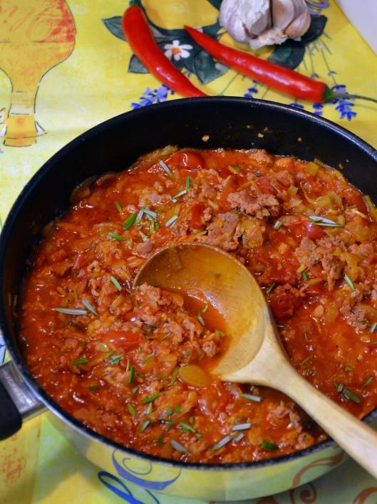 pasta-m-salsiccia-o-tomatsas